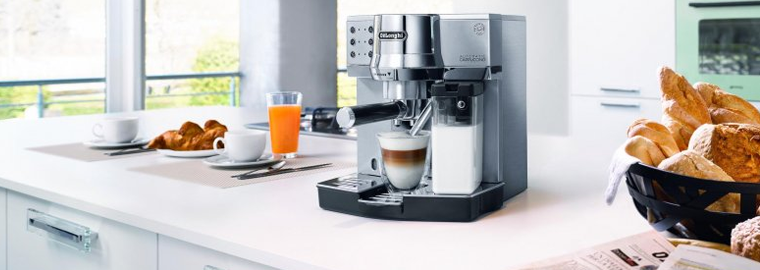 AKCE: Kávovary De Longhi Magnifica se slevou až 51% a dopravou zdarma